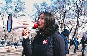 Kazakistan'da gösteri hakkı ve siyasi partilerle ilgili yeni yasa çıktı