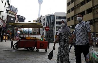 Malezya'da kısmi sokağa çıkma yasağı uzatıldı