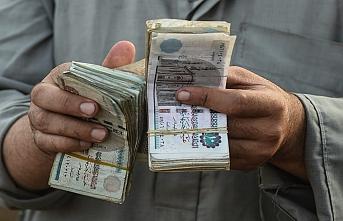 Mısır'ın memurlarının maaşlarında yüzde 1'lik virüs kesintisi