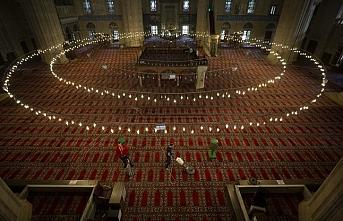 Selimiye cuma cemaati için hazırlandı