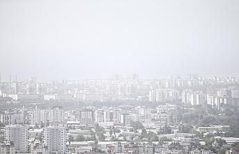 Sıcaklık rekoru kırılan Antalya'da derece 42,7'ye yükseldi