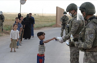 'Sınır ötesinin kahramanları' bayramı Suriye'de karşıladı