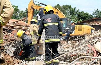 Uganda'da inşaat halindeki 3 katlı bina çöktü: 9 ölü
