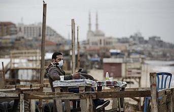 Virüs salgını Gazze'de hayatı daha da ağırlaştırdı