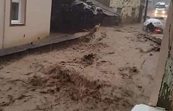 2 kişi öldü 5 kişi kayıp Soylu bölgeye ulaştı.. Sağlık Bakanı açıklama yaptı
