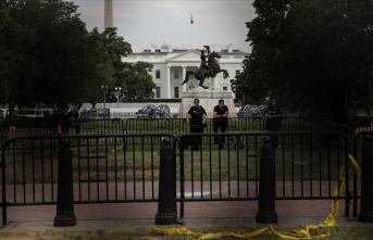 Beyaz Saray etrafına gösteriler nedeniyle örülen çitler kaldırılıyor