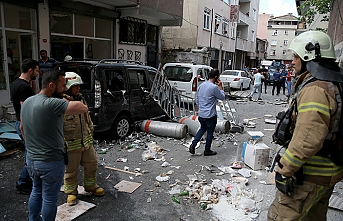 Beyoğlu'nda iş yerinde patlama: 6 yaralı
