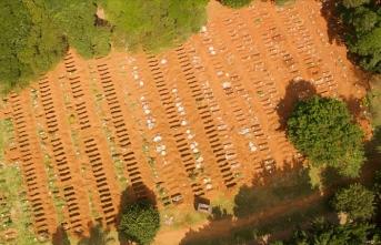 Brezilya'da mezarlıklarda yer açmak için eski mezarlar boşaltılıyor
