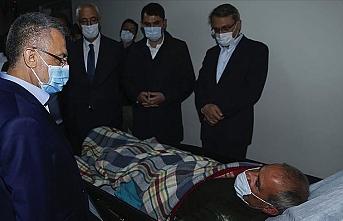 Cumhurbaşkanı Yardımcısı Oktay'dan Bingöl Devlet Hastanesindeki yaralılara ziyaret