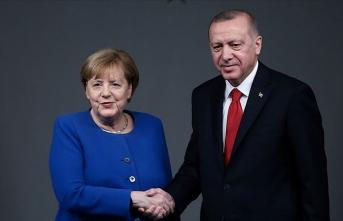 Erdoğan ile Merkel video konferans görüşmesi gerçekleştirdi