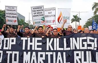 Filipinler'de terörizmle mücadele yasa tasarısı protesto edildi
