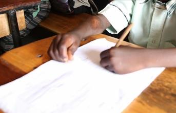 Güney Afrika Cumhuriyeti'ndeki okullarda Kovid-19 paniği