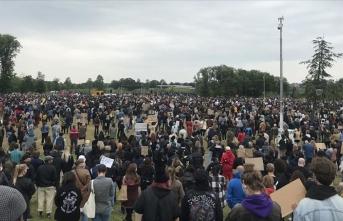 Hollanda'da ırkçılık ve ayrımcılık protesto edildi