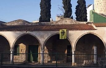 İletişim Başkanı Altun, Güney Kıbrıs'ta camiye Bizans bayrağı asılmasını kınadı