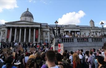 İngiltere'deki ırkçılık karşıtı gösteriler dördüncü haftasında devam etti