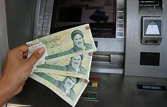İran'da dolar ilk kez 19 bin tümeni aşarak tarihi rekorunu kırdı