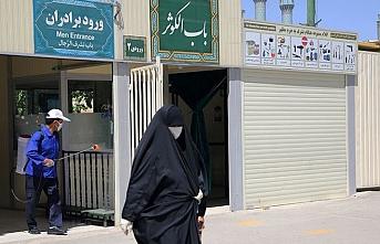 İran'da virüs nedeniyle ölenlerin sayısı 10 bini aştı