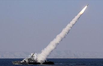 İran Hint Okyanusu'nun kuzeyinde füze denemesi yaptı