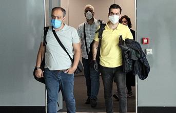 İranlı yolcuları taşıyan uçak, İstanbul'a geldi