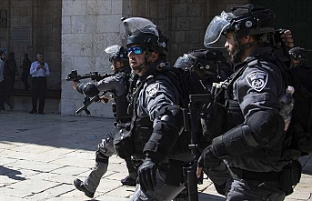 İşgalci İsrail 9 Filistinliyi gözaltına aldı