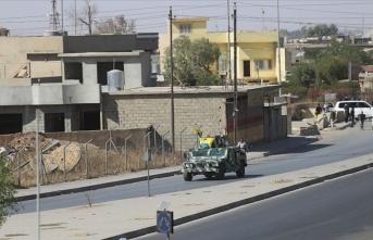 Kerkük'teki Araplar, kentte sözde bayraklarını asan PKK'ya tepki gösterdi