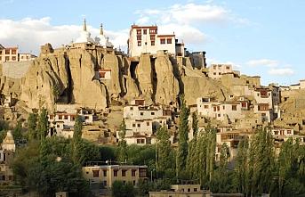 Keşmir'in önemli bir parçası olan ve Beyaz Çöl Ladakh bölgesinin Türk bağlantıları
