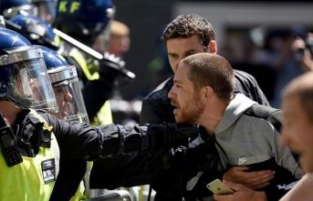 Londra'da göstericilere sokağa çıkma yasağı