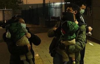 Londra'da operasyonla ayrılan siyam ikizleri Türkiye'ye hareket etti