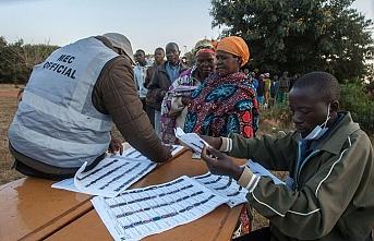 Malavi'de halk devlet başkanını seçiyor