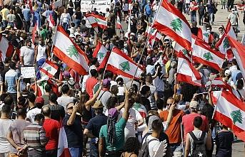 Özrü kabul edilemez edepsizlik: Lübnan'da Hz. Aişe'yi hedef aldılar!