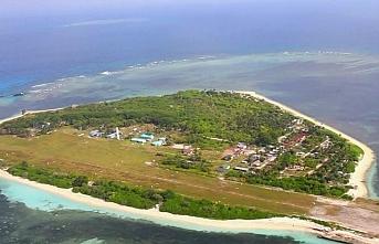 Paylaşılamayan Güney Çin Denizi'nde Filipinler'den uçak pisti