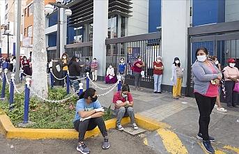 Peru'da son 24 saatte Kovid-19 nedeniyle 204 kişi öldü
