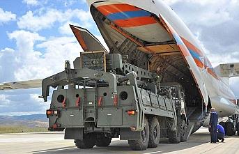 Rus uçakları Sirte'ye Suriyeli savaşçı ve silah taşıyor