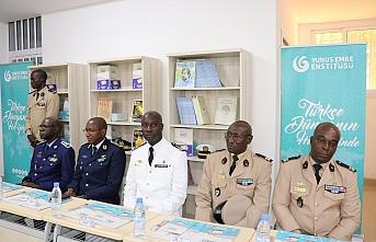 Senegalli askerlerin Türkçe diploma sevinci