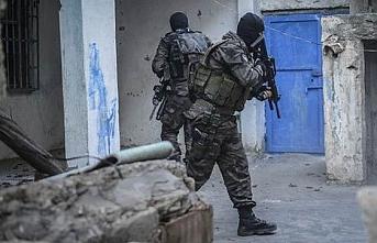 Terör örgütünde çözülmeler sürüyor: 2 PKK'lı terörist teslim oldu!