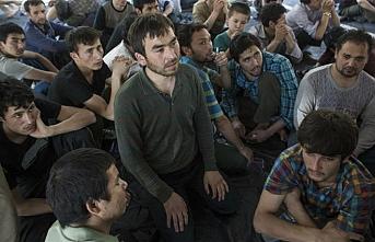 Uygur Türklerine suç listesi.. Seç seç beğen