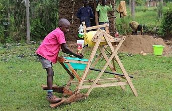 Virüsle mücadelede mekanizma geliştiren 9 yaşındaki Kenyalı çocuğa ödül