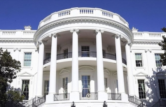 Beyaz Saray, CDC Direktörü Redfield'in, okulların açılması konulu Kongre oturumuna katılmasını engelledi