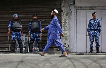 Cammu Keşmir'de Müslümanlara dokunan virüsün Hindulara dokunmayacağı düşünüldü
