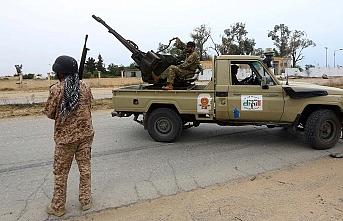 Darbeci Hafter'e bağlı silahlı gruplar arasında çatışma