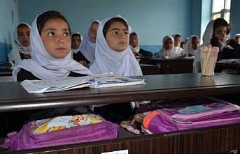 Hayırsever Türk doktor Afganistan'da okul yaptırdı