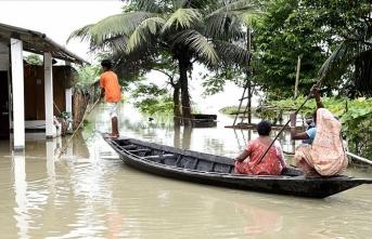 Hindistan'ın Assam eyaletinde sel ve heyelanlarda ölenlerin sayısı 111'e yükseldi