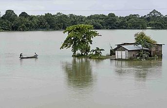 Hindistan'da sel ve heyelanlarda ölenlerin sayısı 135'e yükseldi