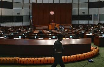 Hong Kong'da Yasama Konseyi seçimleri, Kovid-19 nedeniyle 1 yıl ertelenecek