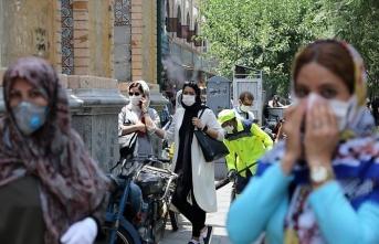 İran'da Kovid-19 ölümleri 13 bin 979'a çıktı