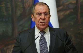 Lavrov: İran'a yönelik silah ambargosunun uzatılması yönündeki girişimlere karşıyız