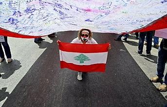 Lübnan'da protestolar eşliğinde kurulan kurtarma hükümetinin vadesi doldu mu?