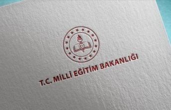 MEB'den devamsızlıktan kalan lise son sınıf öğrencilerine 'mezuniyet' müjdesi