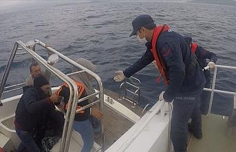 Muğla'da Türk kara sularına itilen 60 sığınmacı kurtarıldı