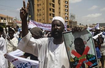 Sudan'da dini konulardaki reformlar protesto edildi